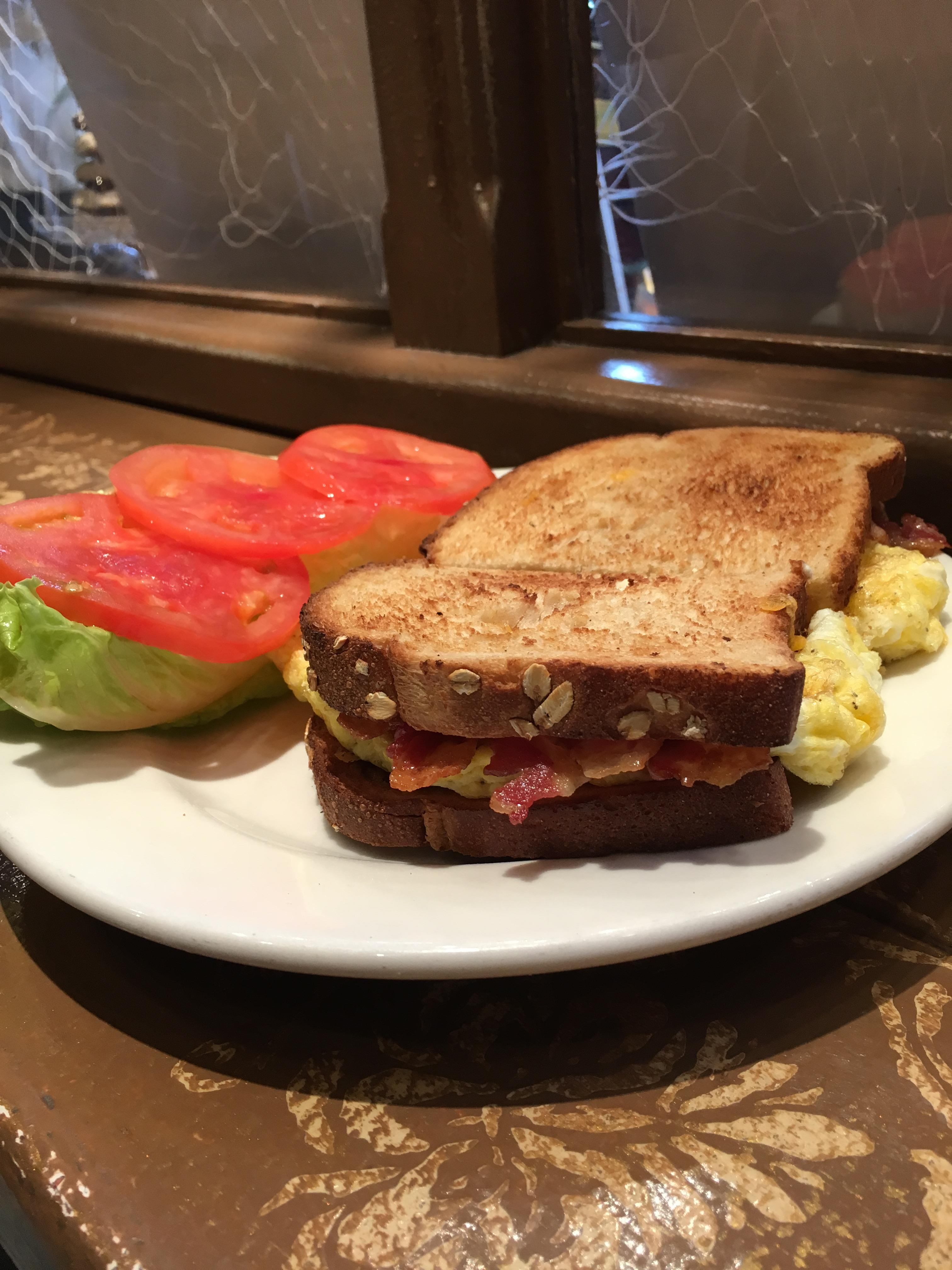 Café Carmel breakfast ⭐️⭐️⭐️⭐️