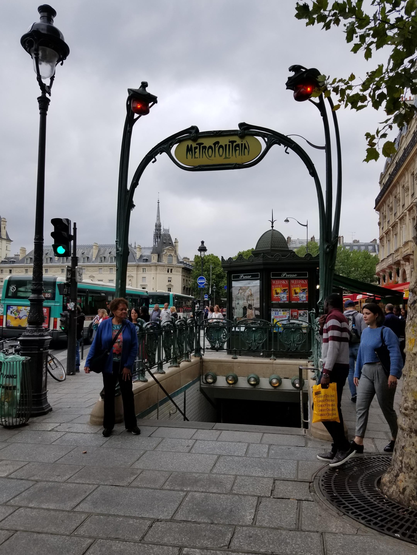 Metro stop Saint-Michel