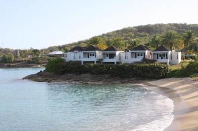 some of the oceanfront rooms at Hawksbill