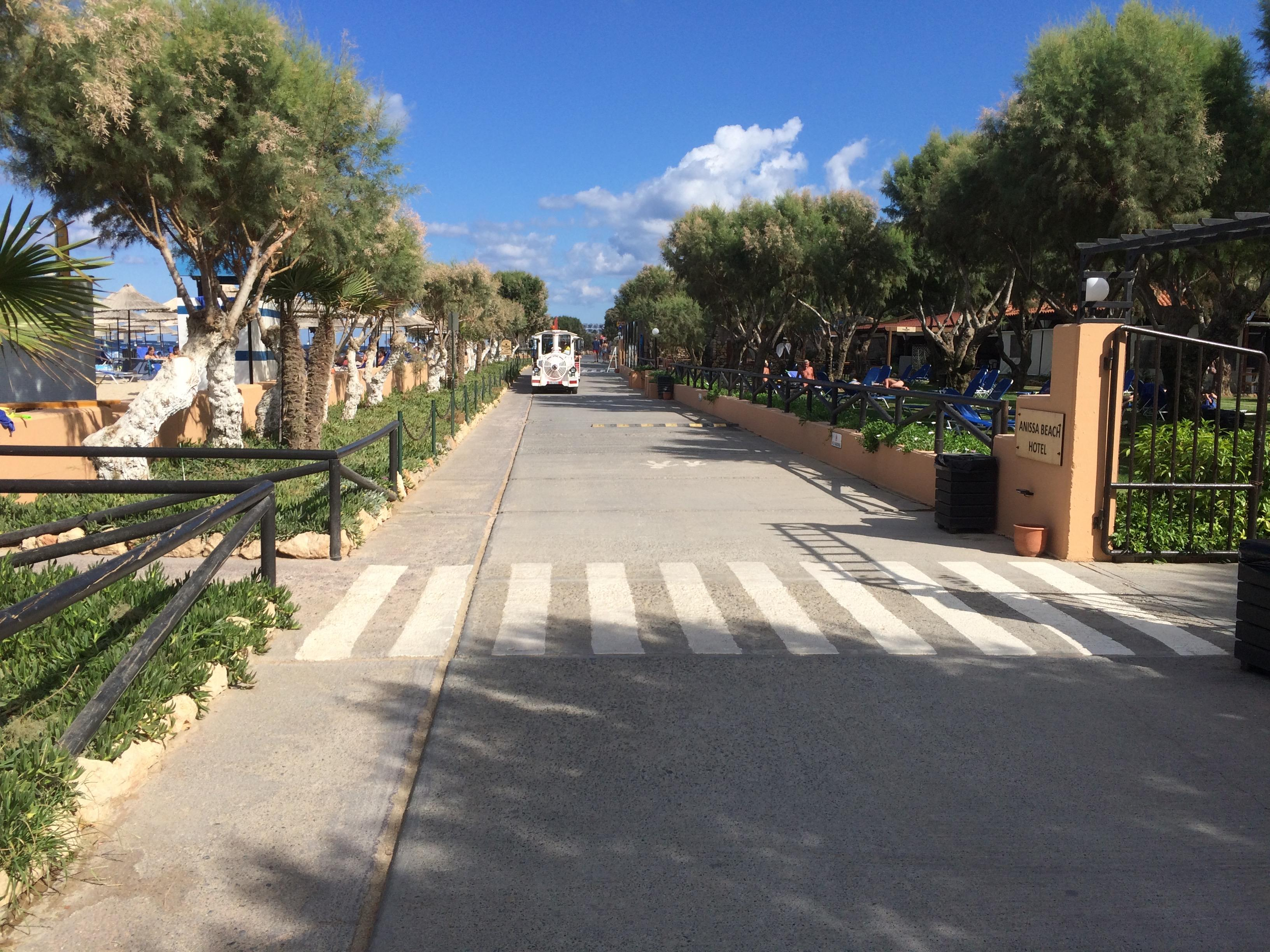 Bimmelbahn auf Strandpromenade