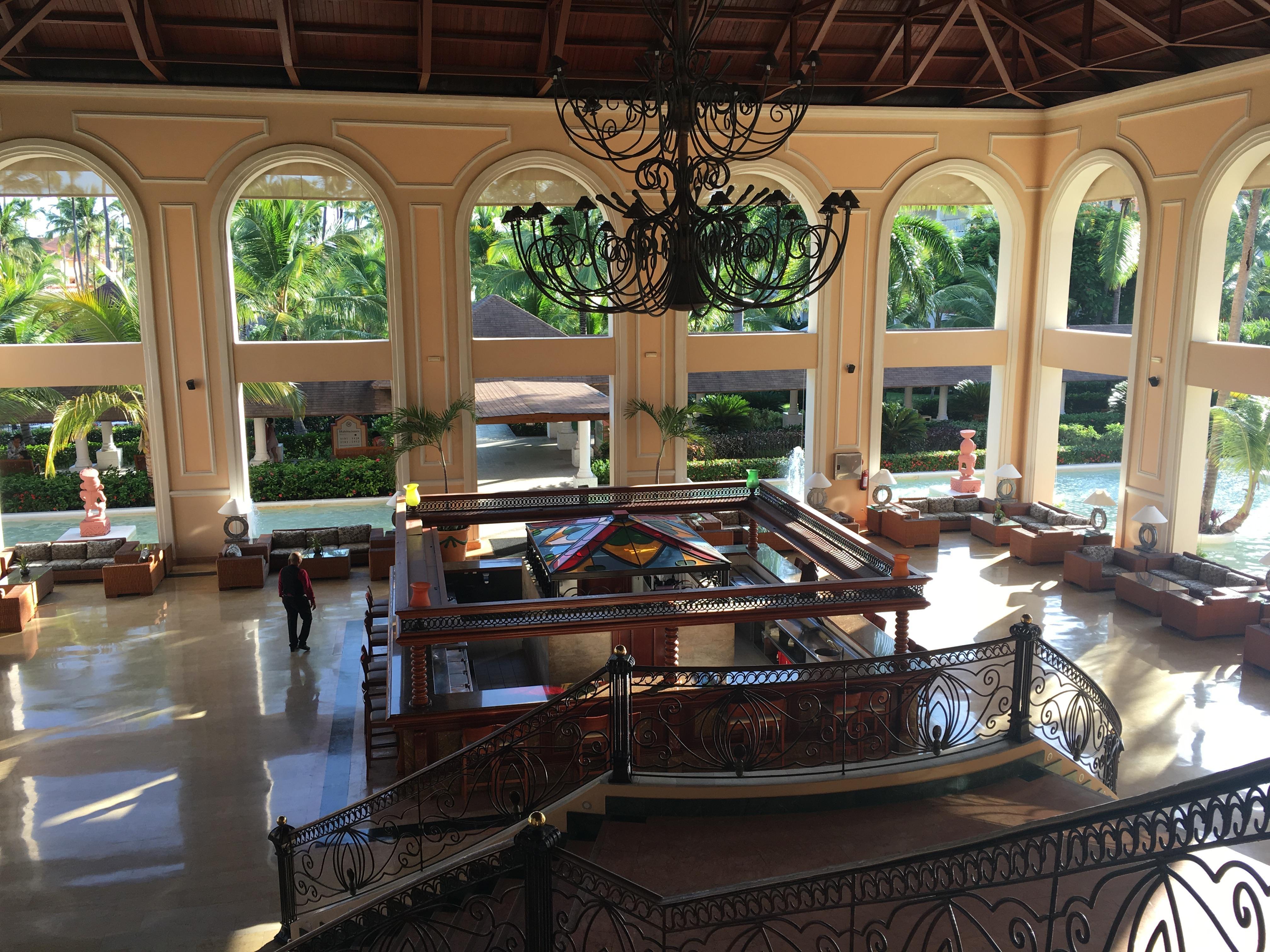 Lower bar in Main lobby