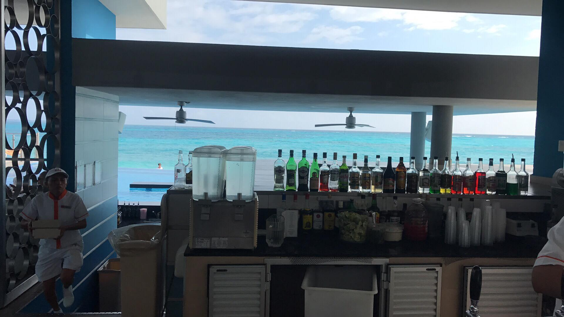 The view from the dry end of the swim up pool bar.