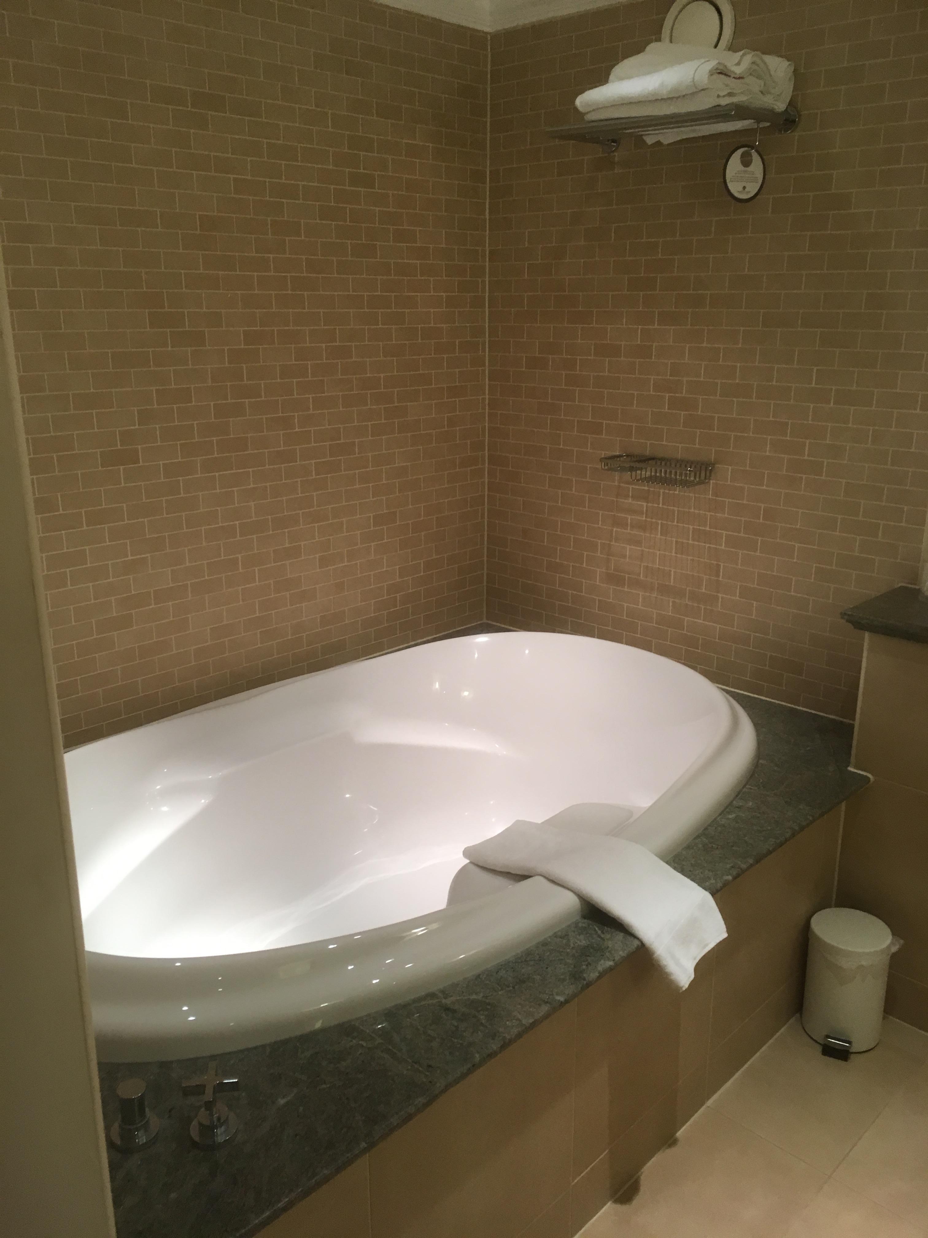 Biggest Bathtub. Perfect My Boyfriend Owes A Me A Mini Localish ...