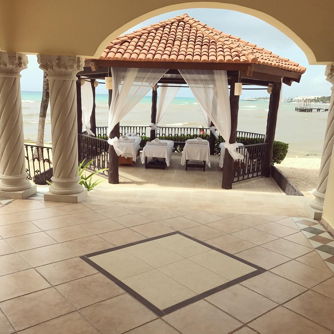 The beach massage pavilion