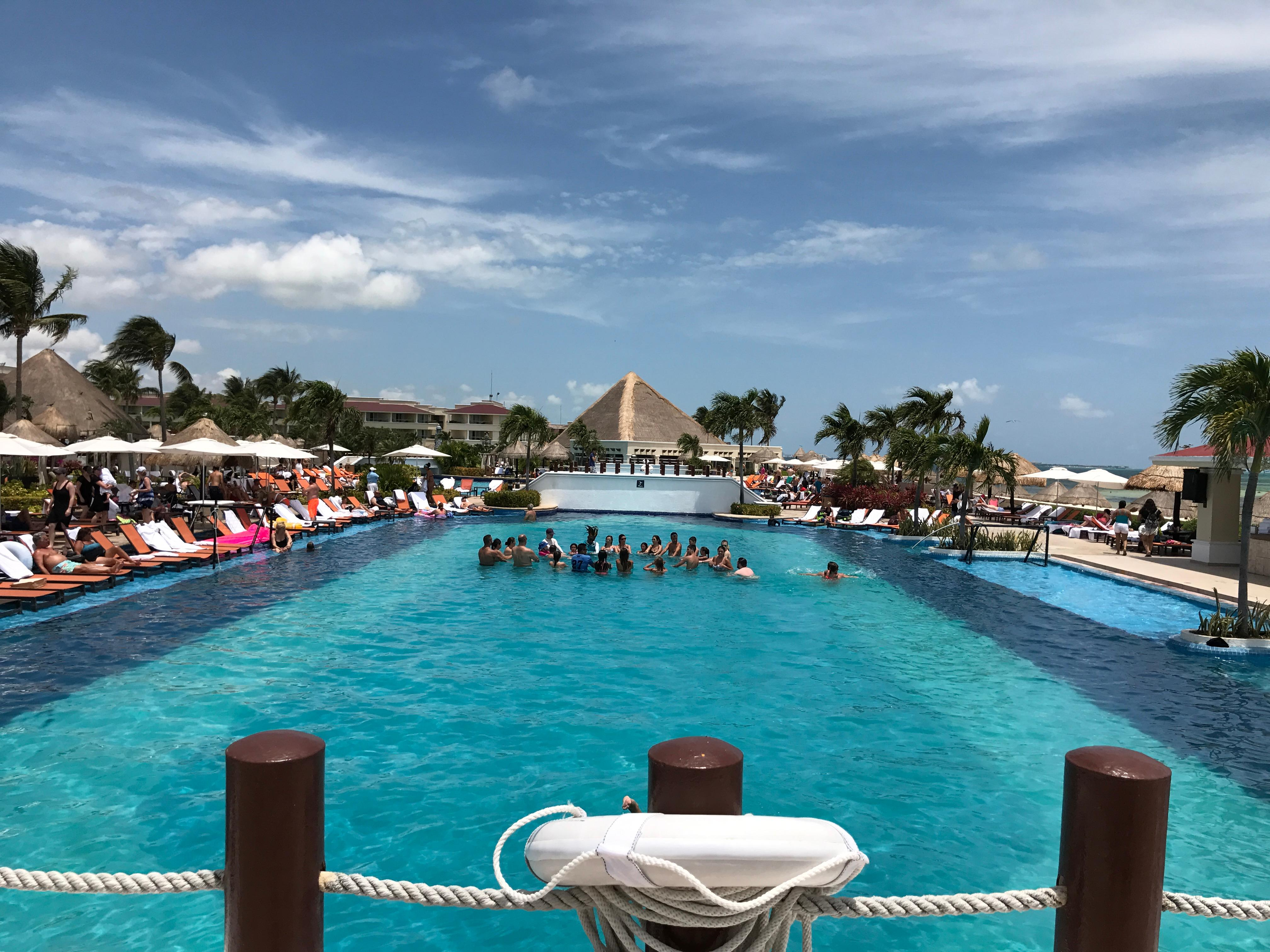 Sunrise Resort, Cancun Mexico