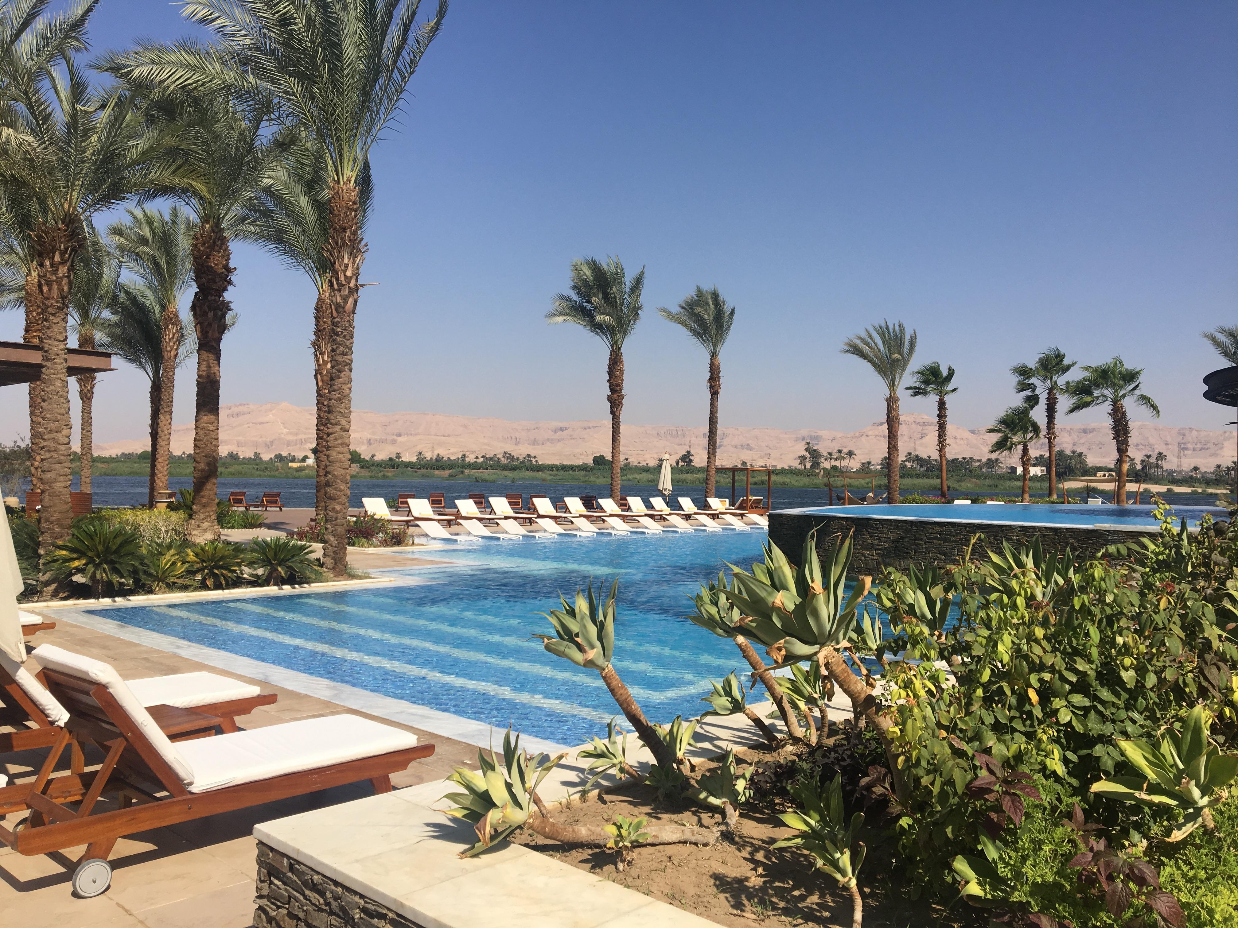 Face au Nil et la vallée des Rois