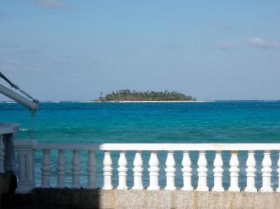 Looking at Johnny Cay from the Decameron Maryland