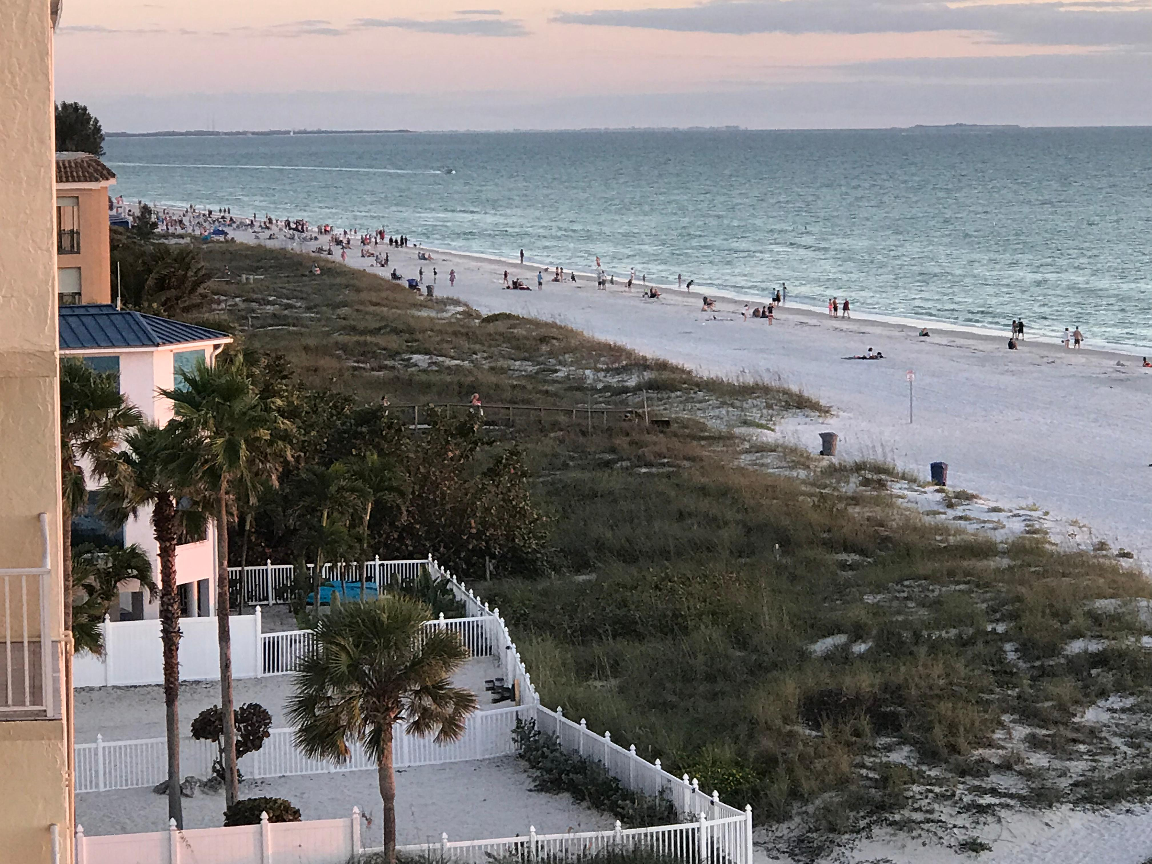 Island Inn Beach Resort In St Petersburg Clearwater Hotel Rates