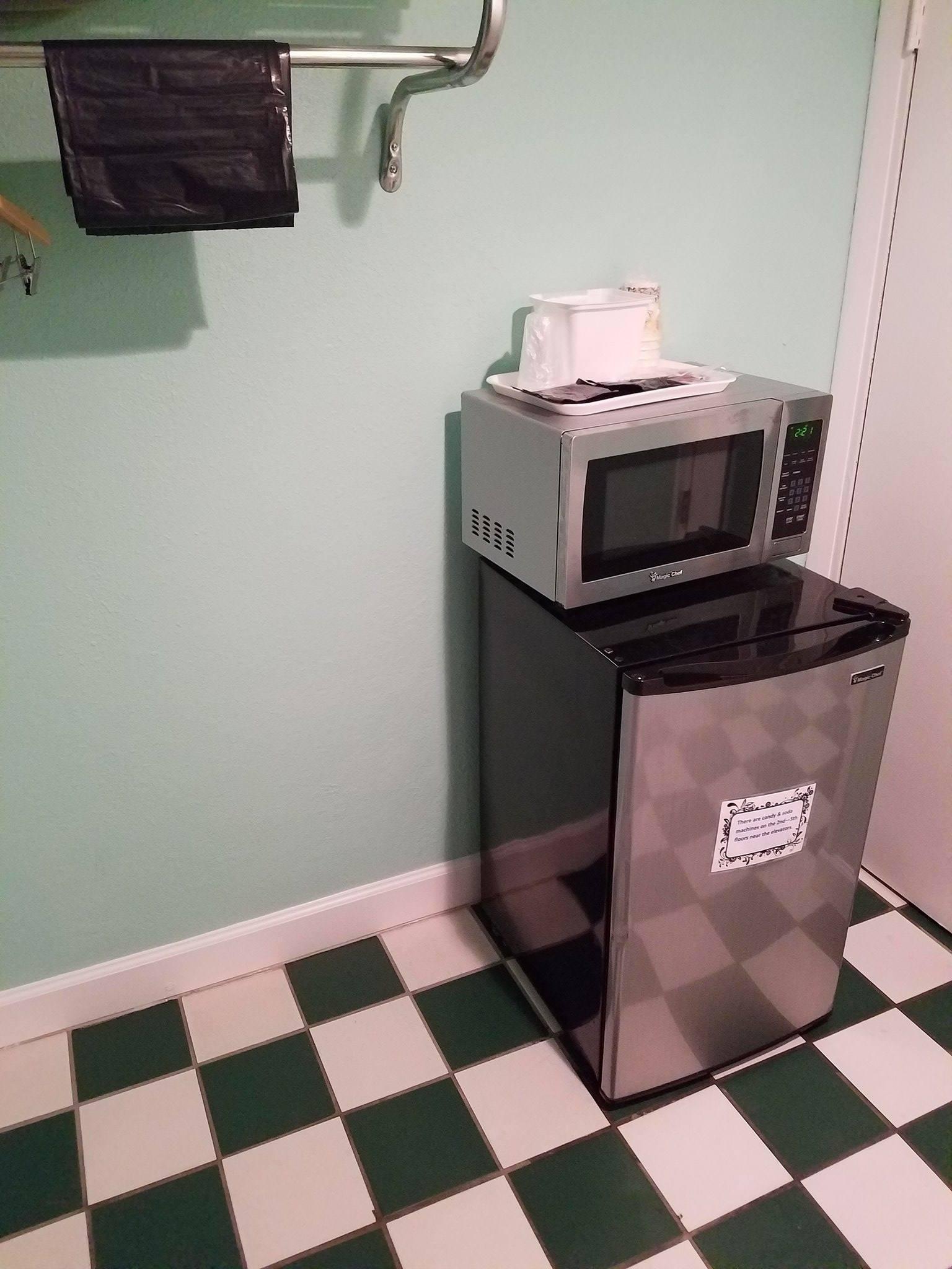 fridge/freezer & microwave