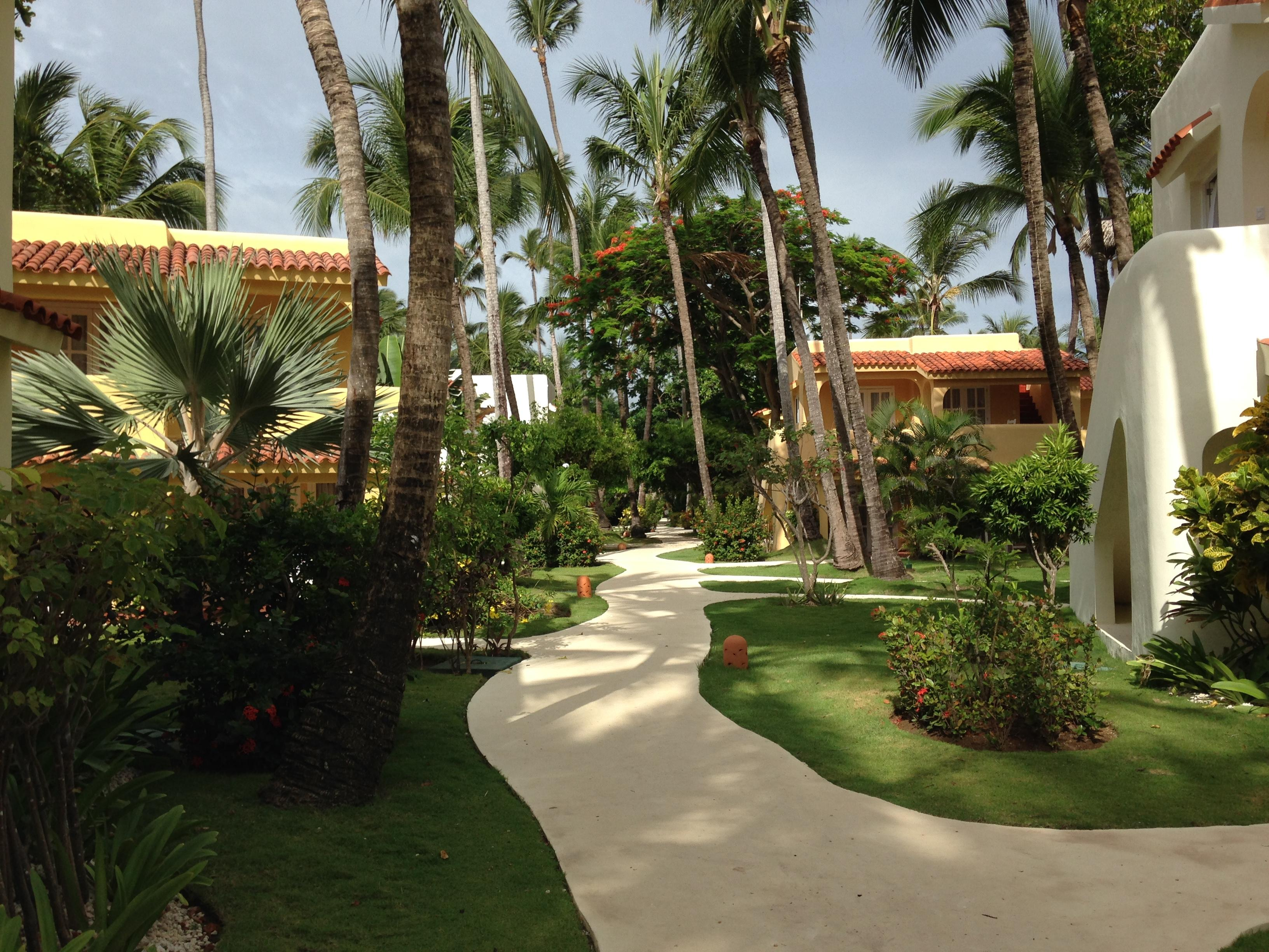 Pathway from beach to rooms