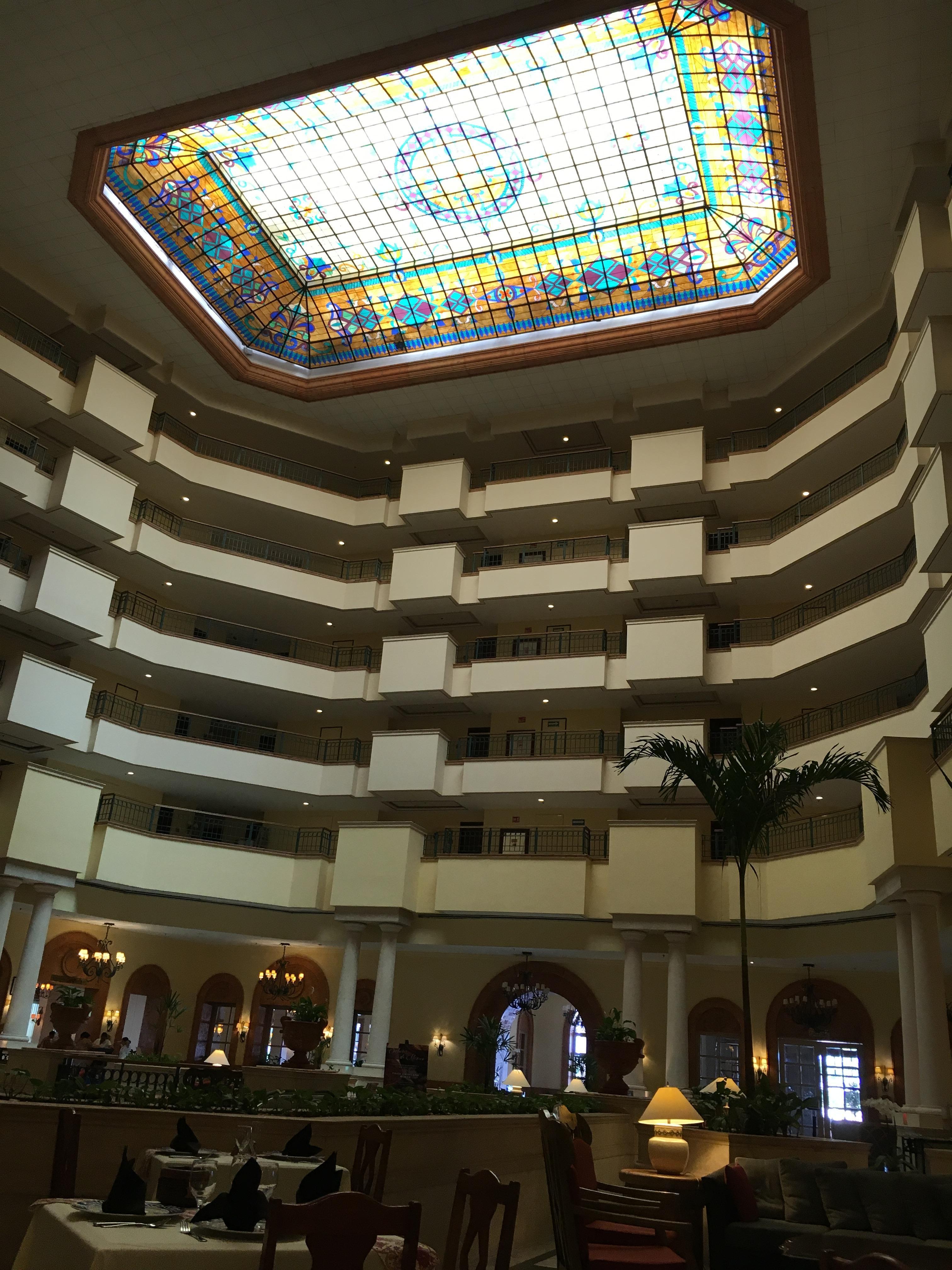 Hall hotel beautiful vitrales