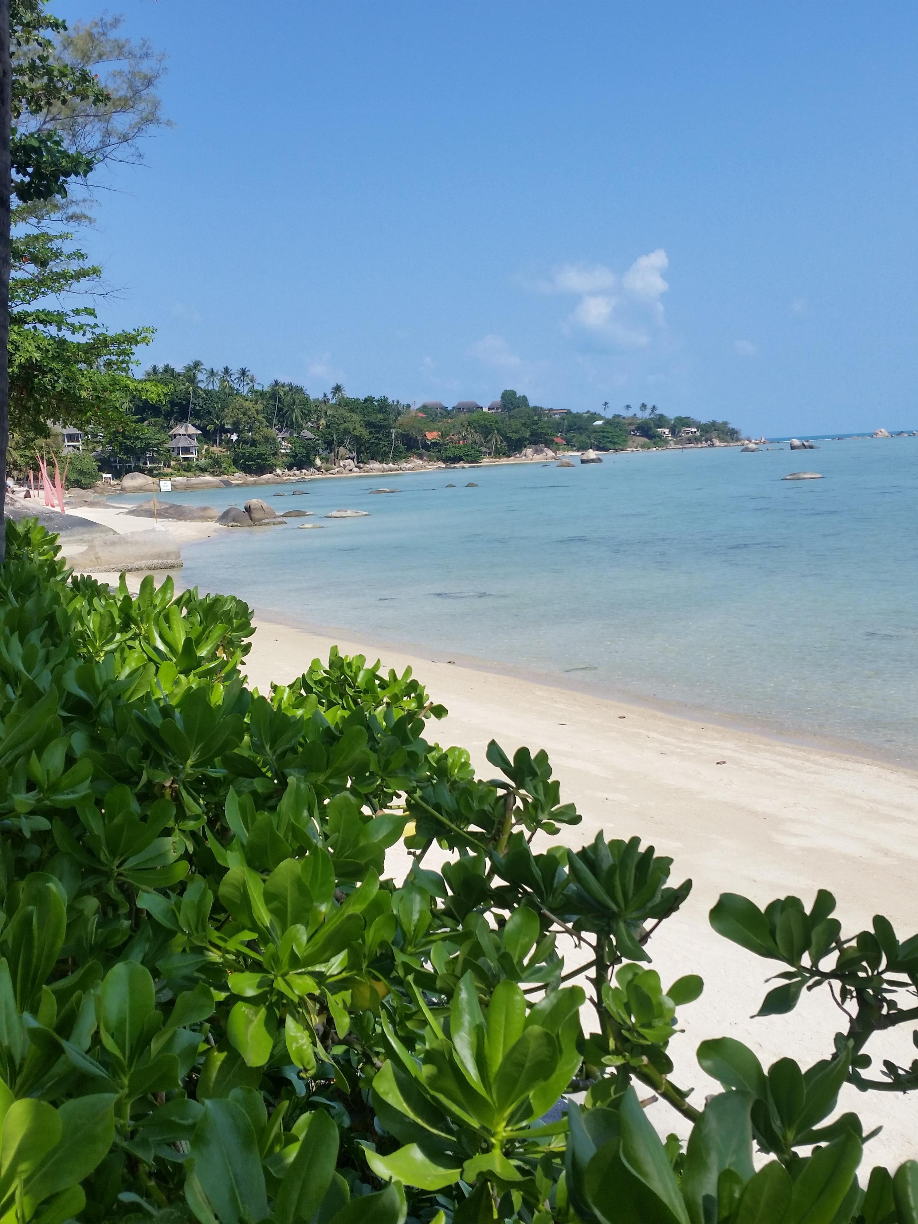 Poolside view of Lamai beach