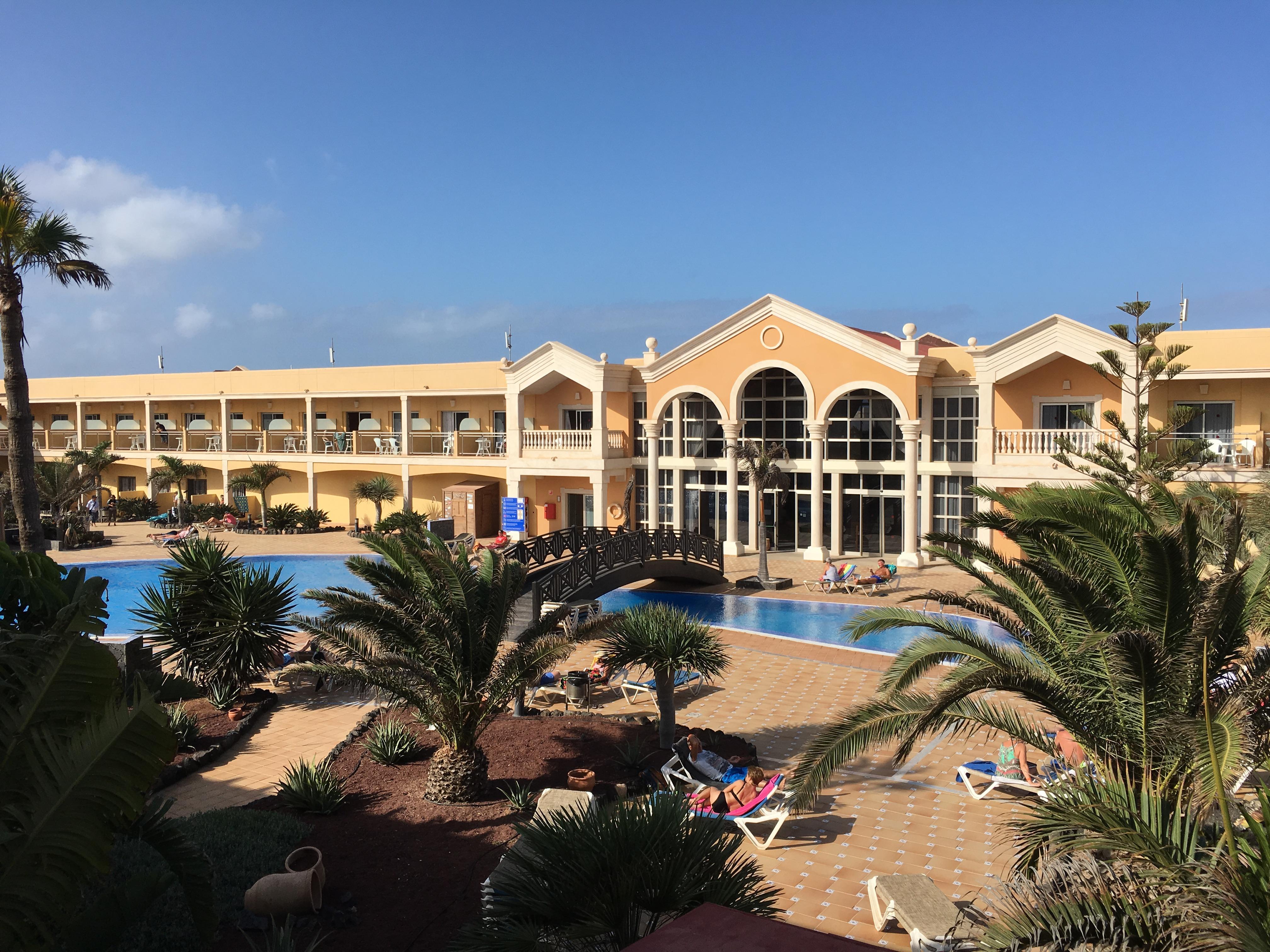 Aussicht vom Hotel mit Poolblick