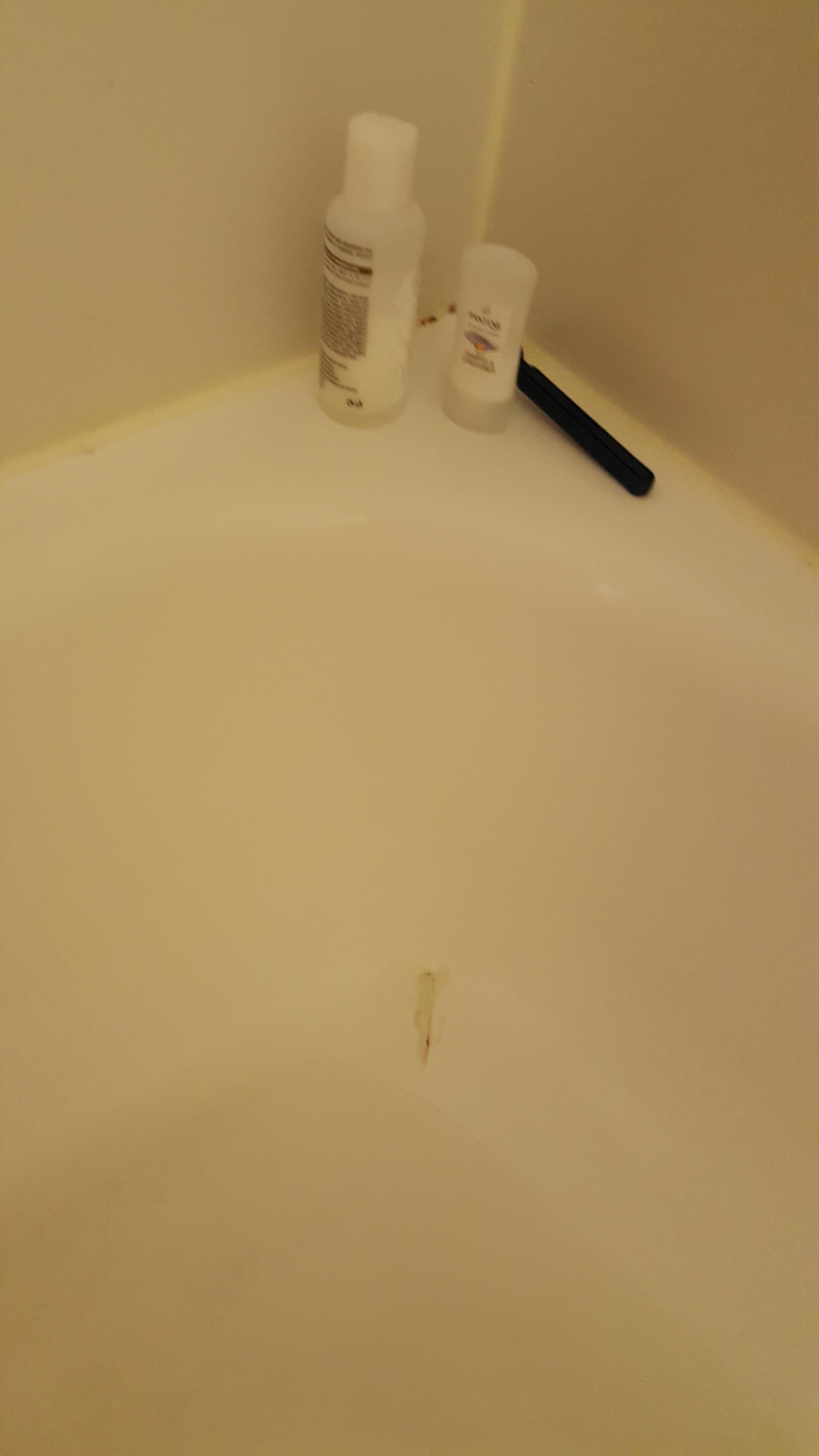 Cracked tub